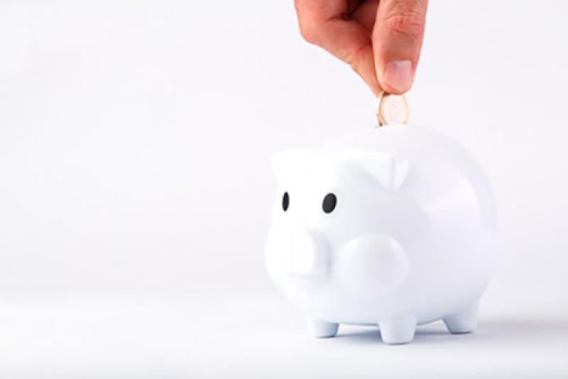 Los seguros ayudan al ahorro financiero de las familias