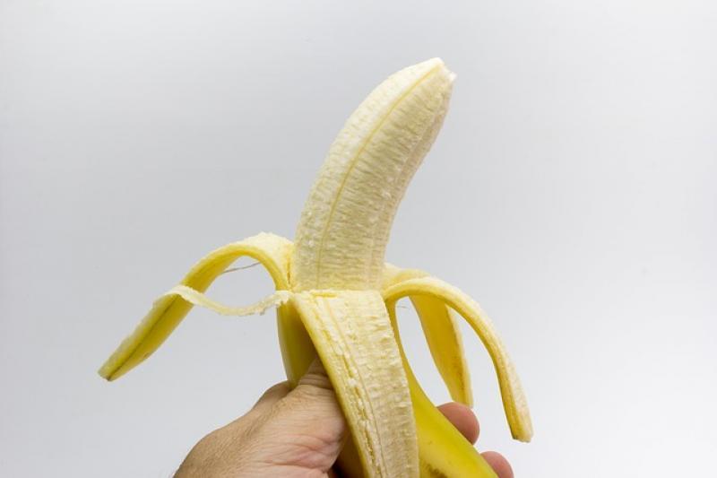 Las hebras de los plátanos tienen su utilidad y te contamos por qué