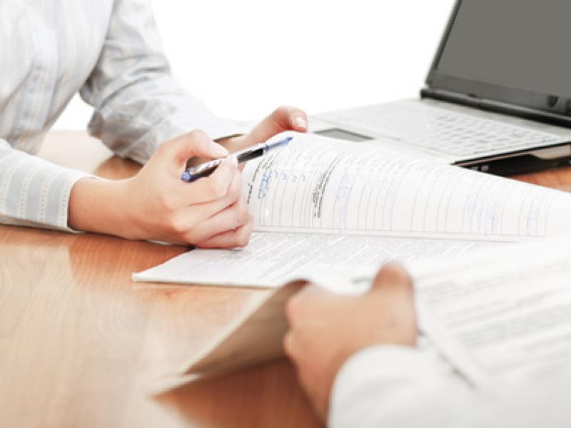¿Qué derechos y que obligaciones tiene el beneficiario de un seguro de accidentes?