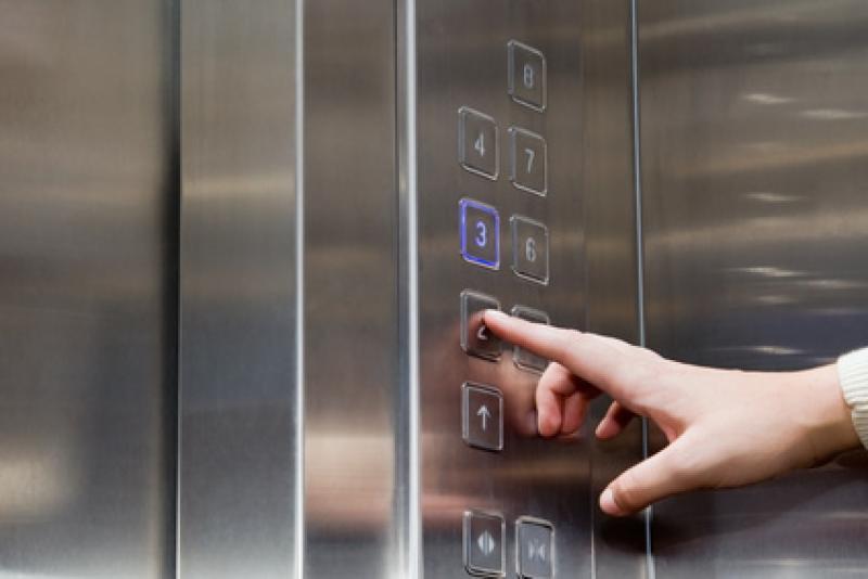 Reducir gastos del ascensor